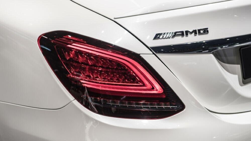 Mercedes-AMG C43 2019 sedan được hãng xe Đức trình làng tại triển lãm Geneva 2018 - Hình 12