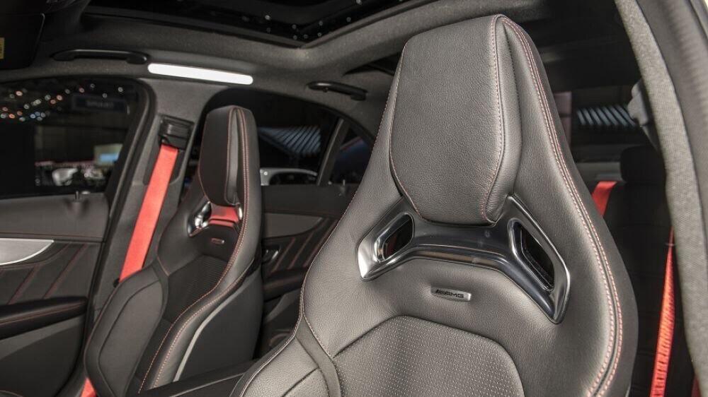 Mercedes-AMG C43 2019 sedan được hãng xe Đức trình làng tại triển lãm Geneva 2018 - Hình 7
