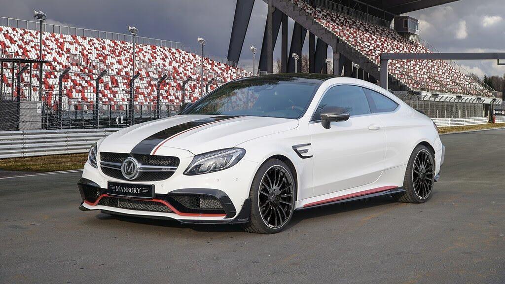 Mercedes-AMG C63 'hóa thân' thành xe đua - Hình 2