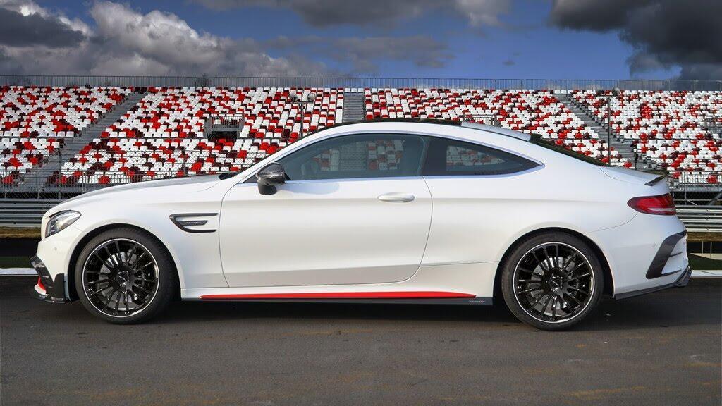 Mercedes-AMG C63 'hóa thân' thành xe đua - Hình 3