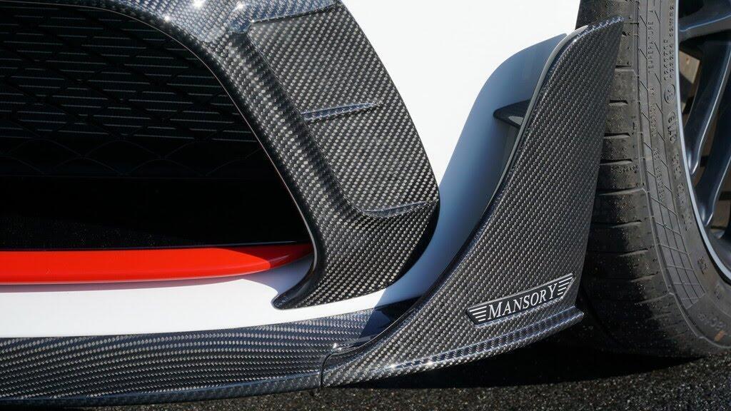 Mercedes-AMG C63 'hóa thân' thành xe đua - Hình 4