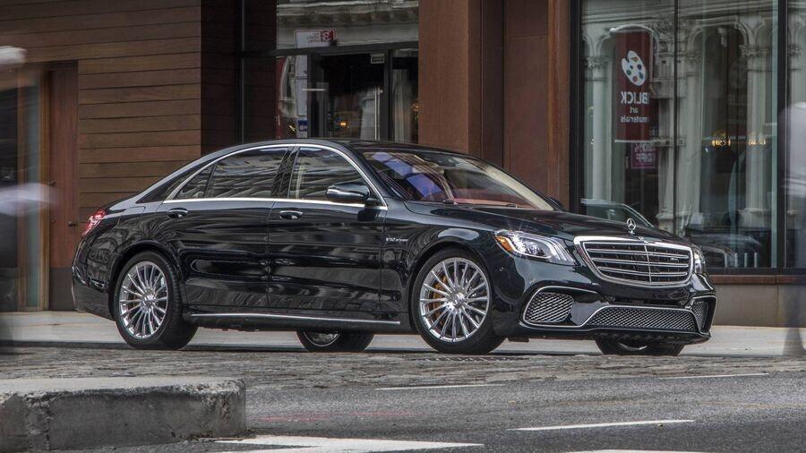 Mercedes-Benz có thể chia sẻ các động cơ với Volvo, đồng thời mua cổ phần của hãng xe Thụy Điển - Hình 2