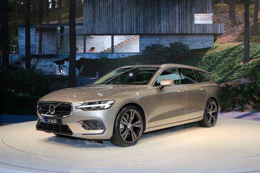 Mercedes-Benz có thể chia sẻ các động cơ với Volvo, đồng thời mua cổ phần của hãng xe Thụy Điển - Hình 3