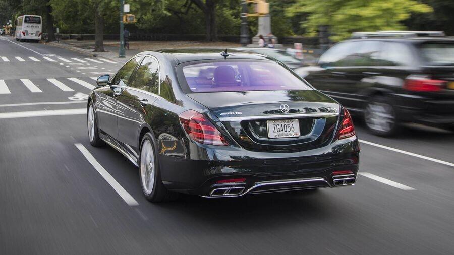 Mercedes-Benz có thể chia sẻ các động cơ với Volvo, đồng thời mua cổ phần của hãng xe Thụy Điển - Hình 4