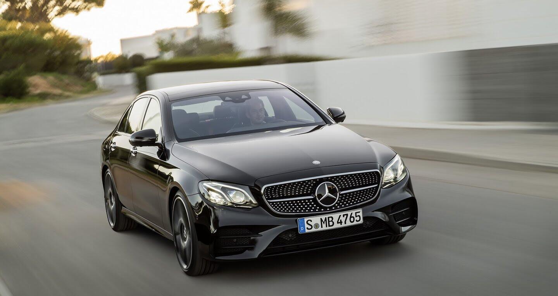 Mercedes-Benz E400 4Matic chuẩn bị ra mắt - Hình 1
