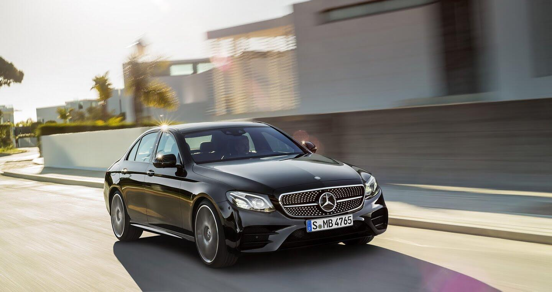 Mercedes-Benz E400 4Matic chuẩn bị ra mắt - Hình 2