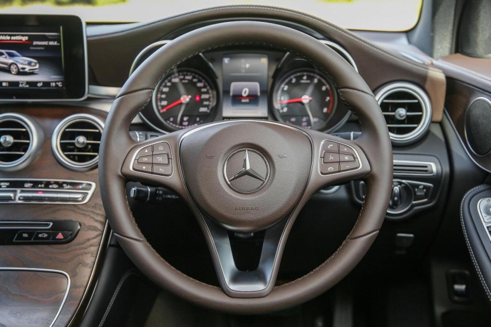 Mercedes-Benz GLC 200 có thể sẽ về Việt Nam với giá rẻ hơn - Hình 10