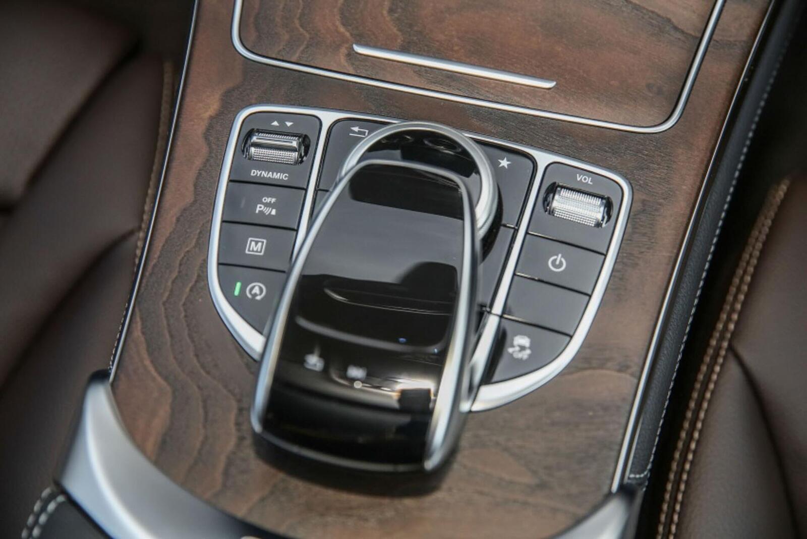 Mercedes-Benz GLC 200 có thể sẽ về Việt Nam với giá rẻ hơn - Hình 13