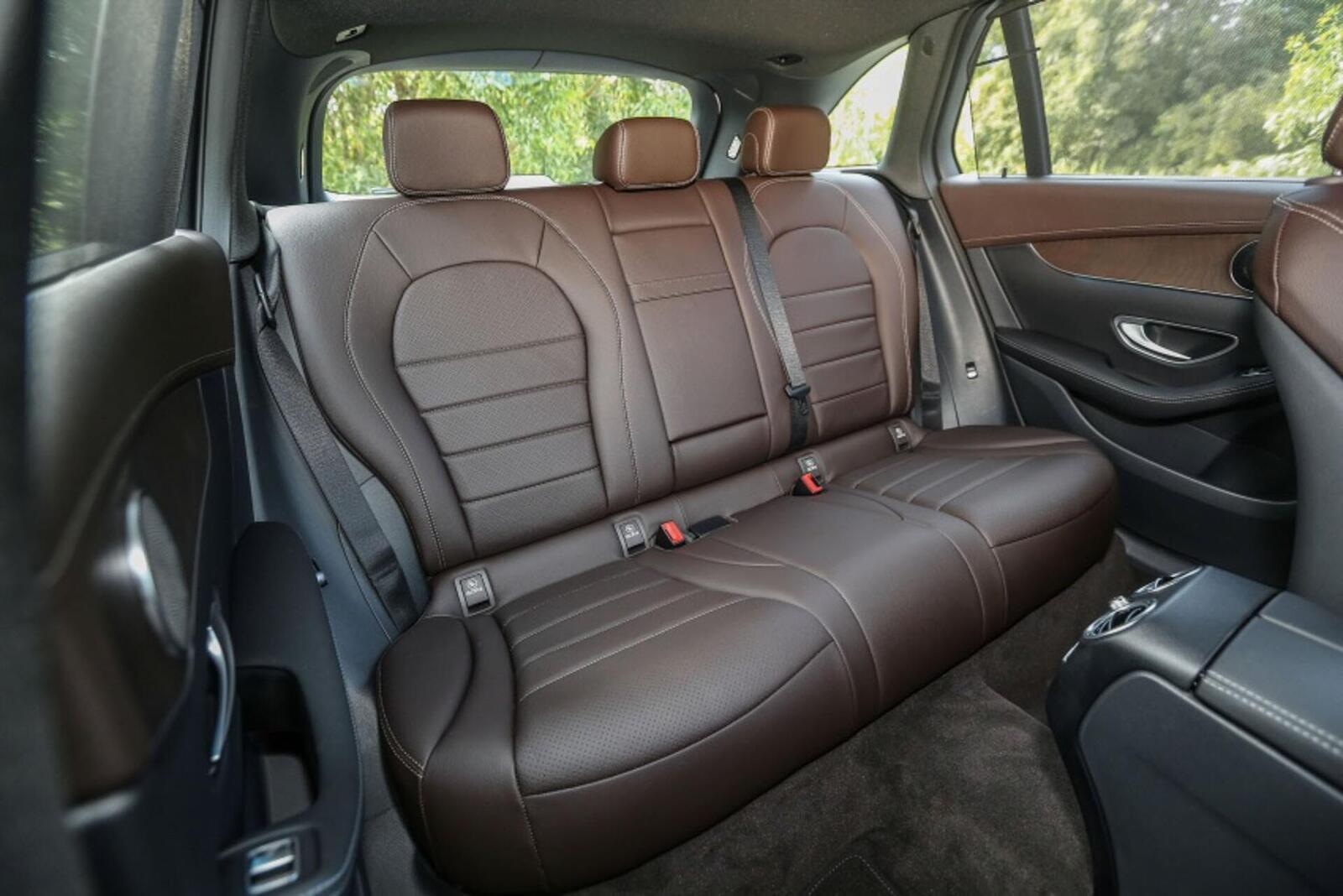 Mercedes-Benz GLC 200 có thể sẽ về Việt Nam với giá rẻ hơn - Hình 16