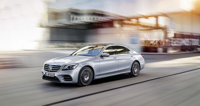 """Mercedes-Benz quyết """"trung thành"""" với động cơ V12 - Hình 1"""