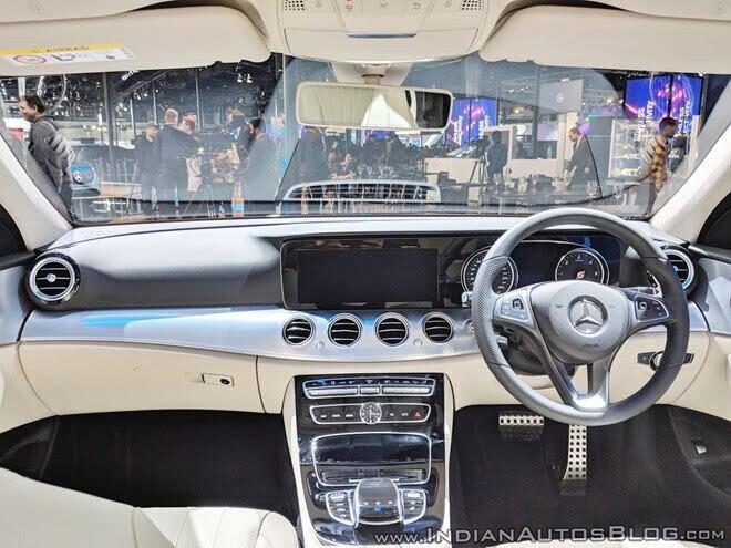 Mercedes-Benz ra mắt mẫu xe đa năng E-Class All-Terrain 2018 tại Ấn Độ - Hình 2