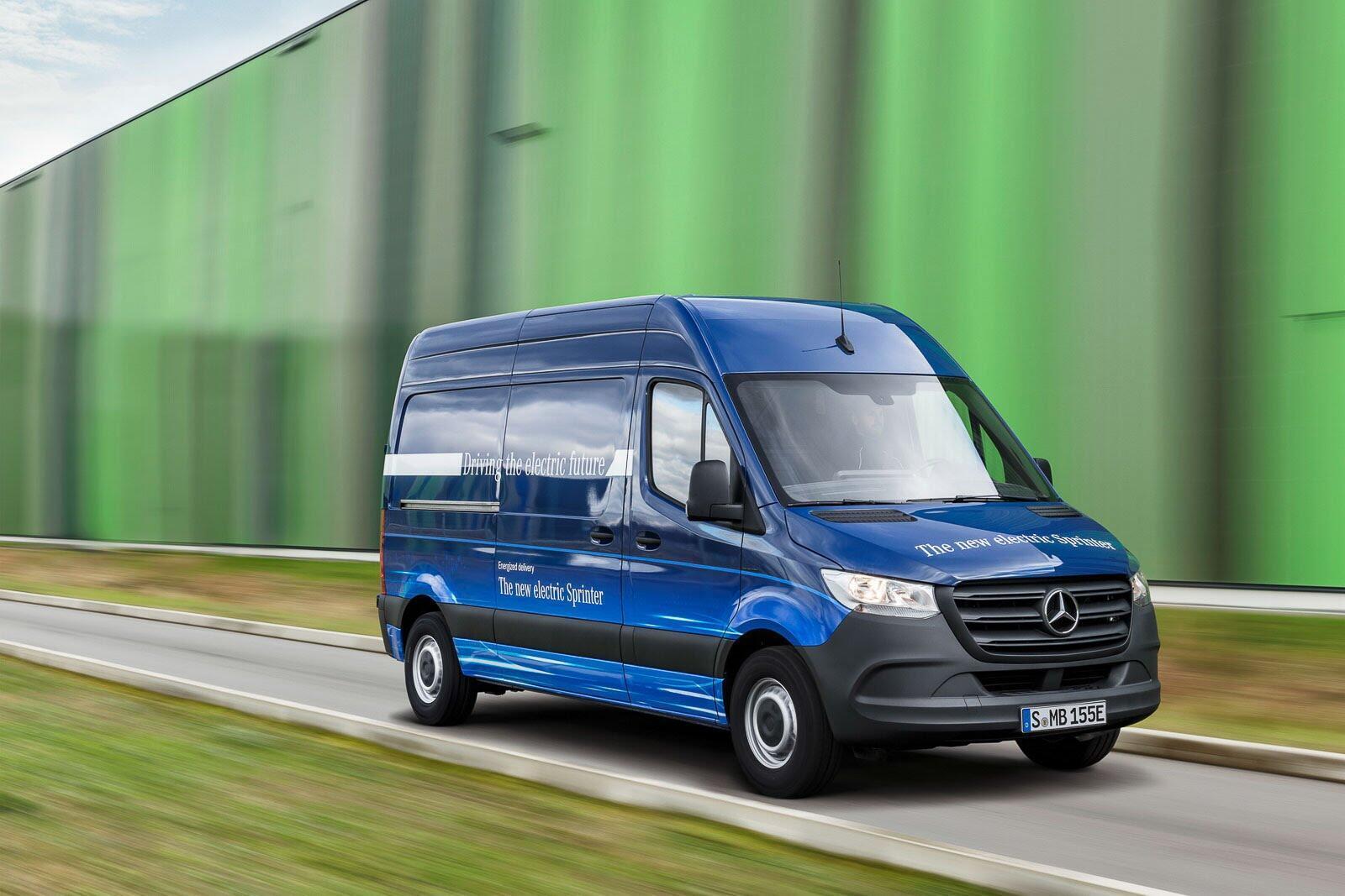 Mercedes-Benz Sprinter 2018 chính thức ra mắt: cỗ máy công nghệ và kết nối - Hình 4