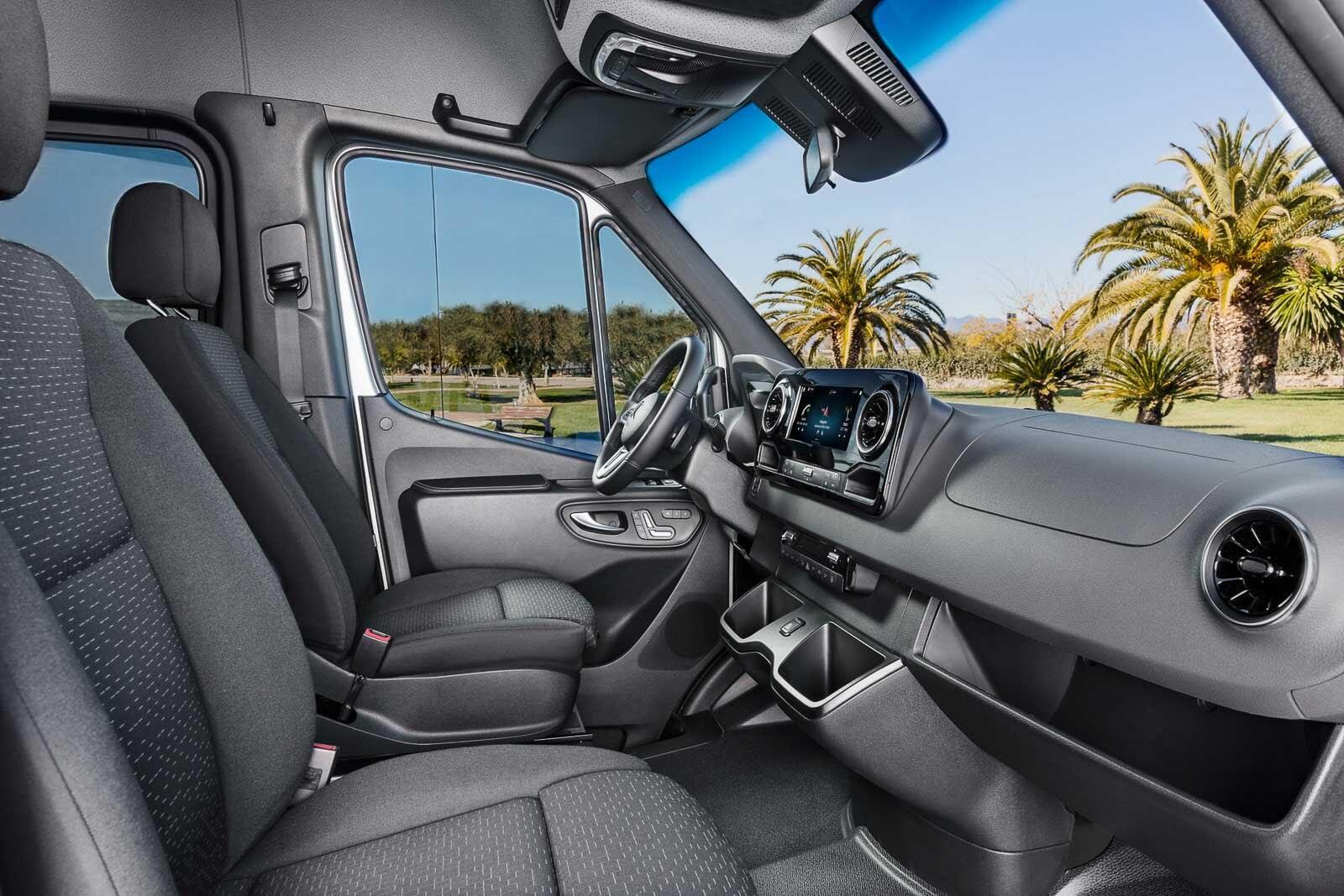Mercedes-Benz Sprinter 2018 chính thức ra mắt: cỗ máy công nghệ và kết nối - Hình 18