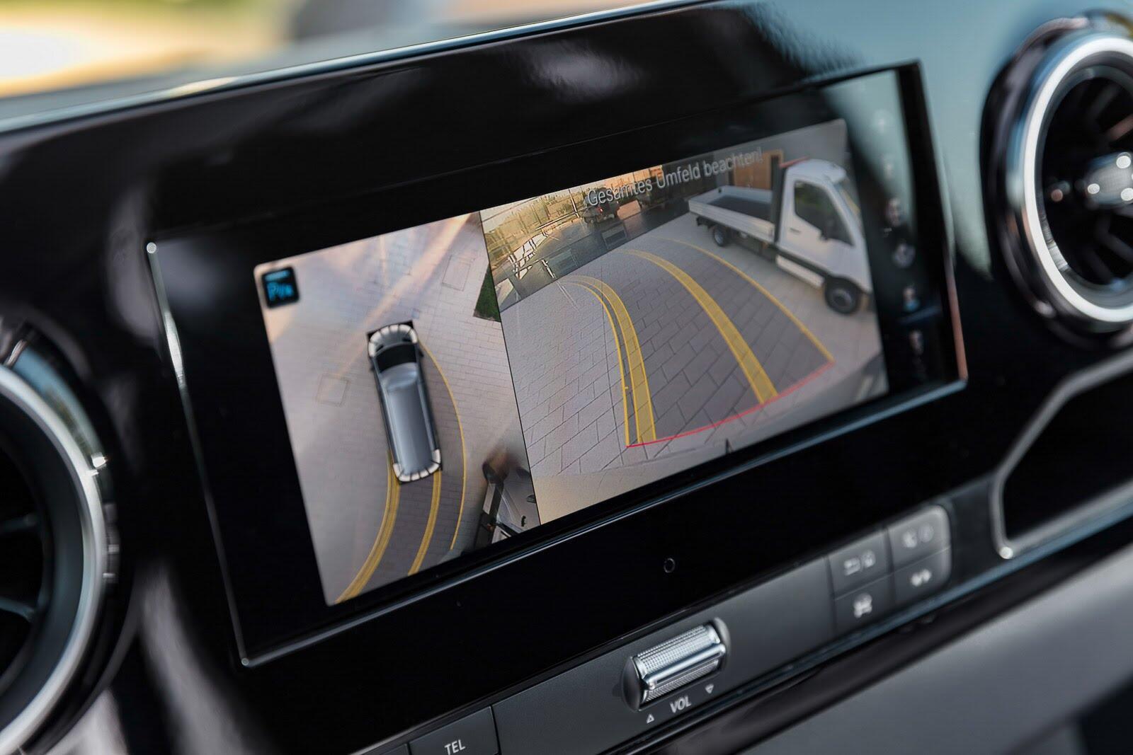 Mercedes-Benz Sprinter 2018 chính thức ra mắt: cỗ máy công nghệ và kết nối - Hình 22