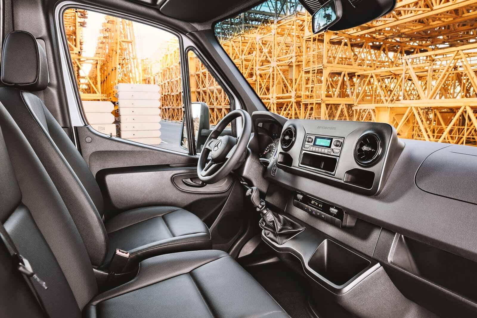 Mercedes-Benz Sprinter 2018 chính thức ra mắt: cỗ máy công nghệ và kết nối - Hình 23