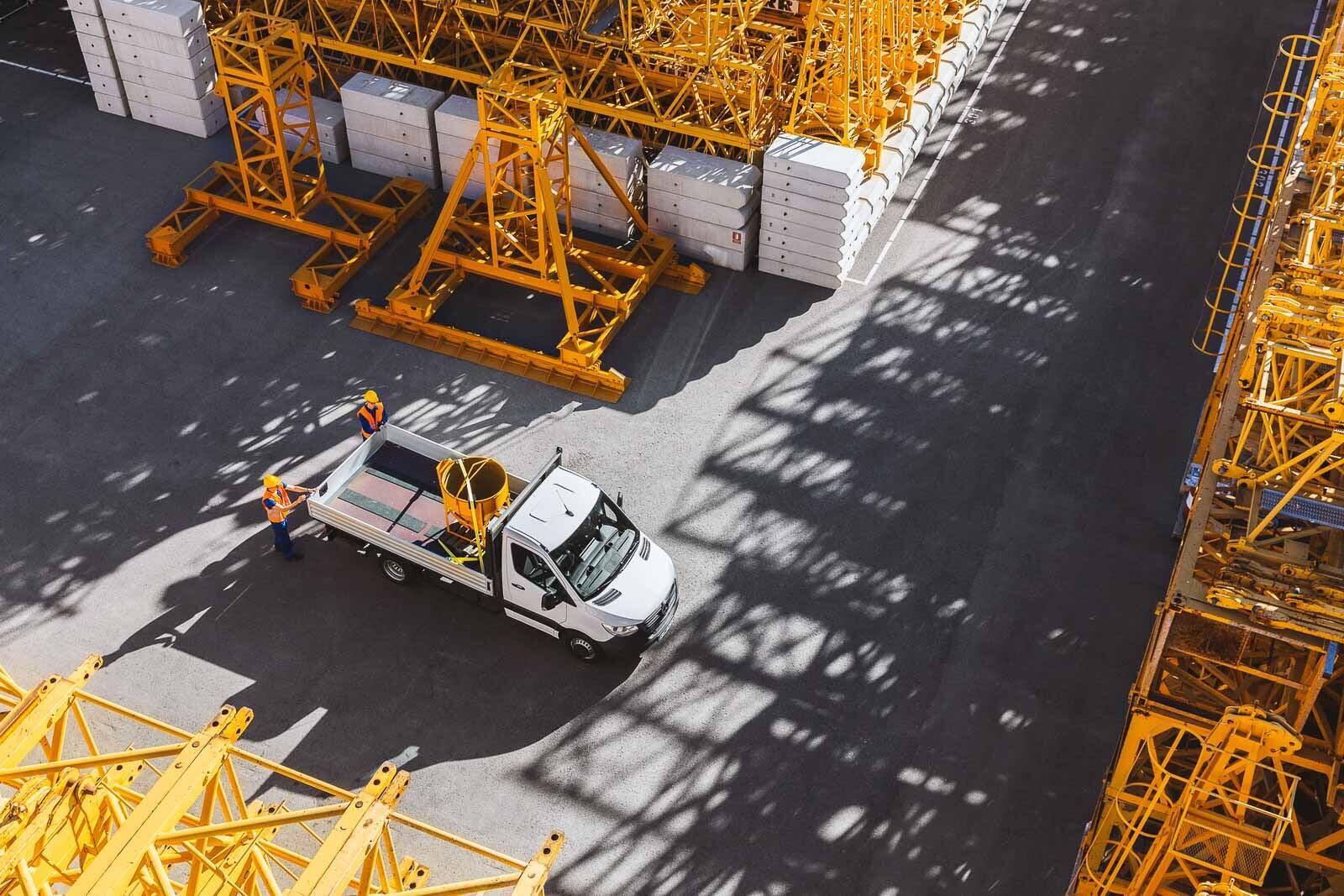 Mercedes-Benz Sprinter 2018 chính thức ra mắt: cỗ máy công nghệ và kết nối - Hình 42