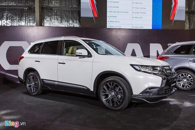 Mitsubishi Outlander giảm giá 51 triệu đồng tại Việt Nam - Hình 1