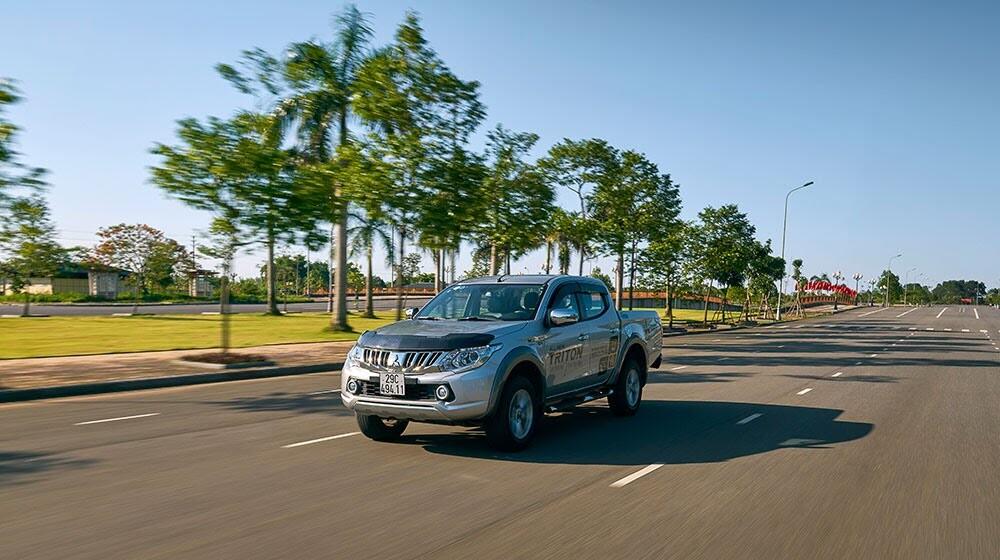 """Mitsubishi Triton – Trở lại thời """"vàng son"""" - Hình 11"""