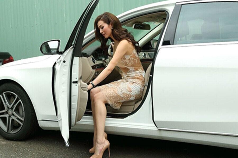 Mở cửa xe an toàn