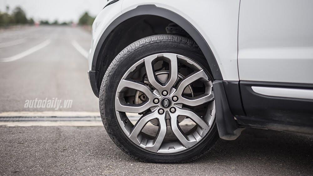 """Một ngày """"thử"""" khả năng địa hình của Range Rover Evoque - Hình 5"""