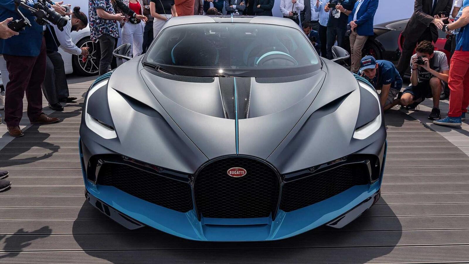 Một trong 40 chiếc Bugatti Divo đang được bán với giá 7,5 triệu USD (hơn 173 tỷ đồng) - Hình 12