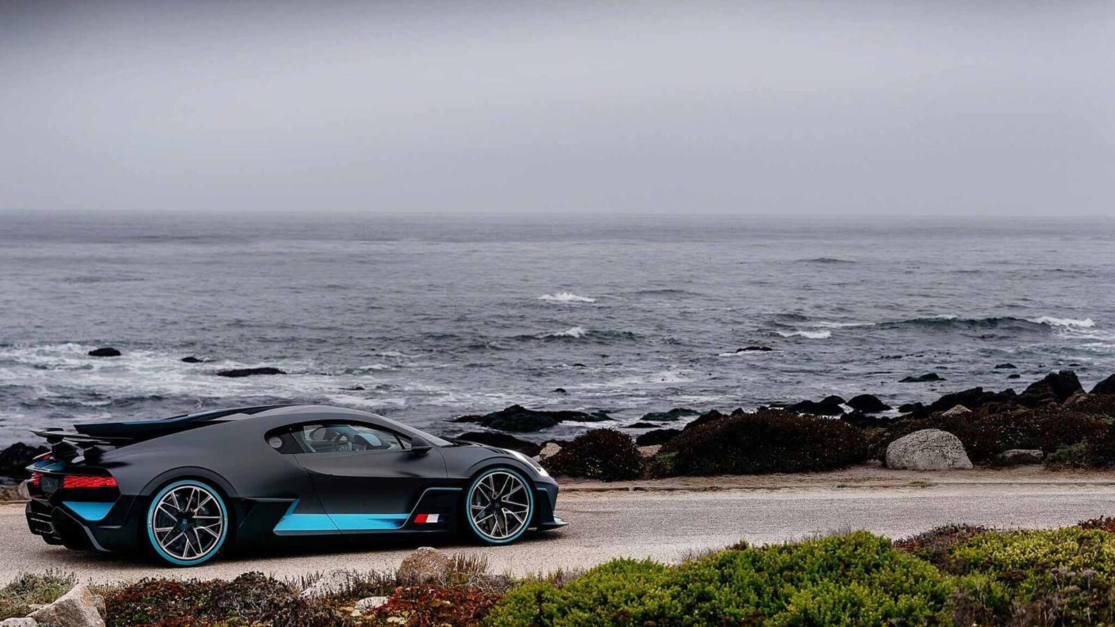 Một trong 40 chiếc Bugatti Divo đang được bán với giá 7,5 triệu USD (hơn 173 tỷ đồng) - Hình 16