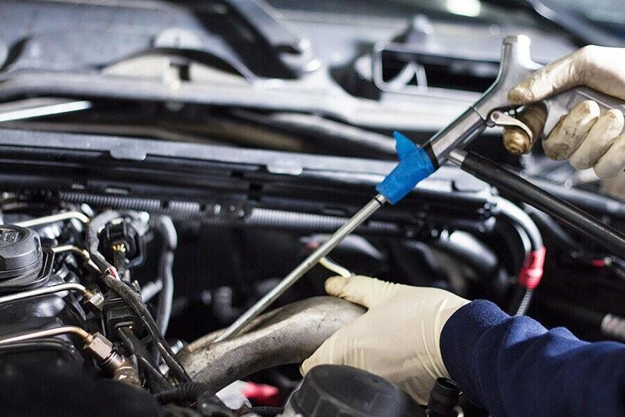 Kiểm tra hồ sơ bảo dưỡng xe ô tô