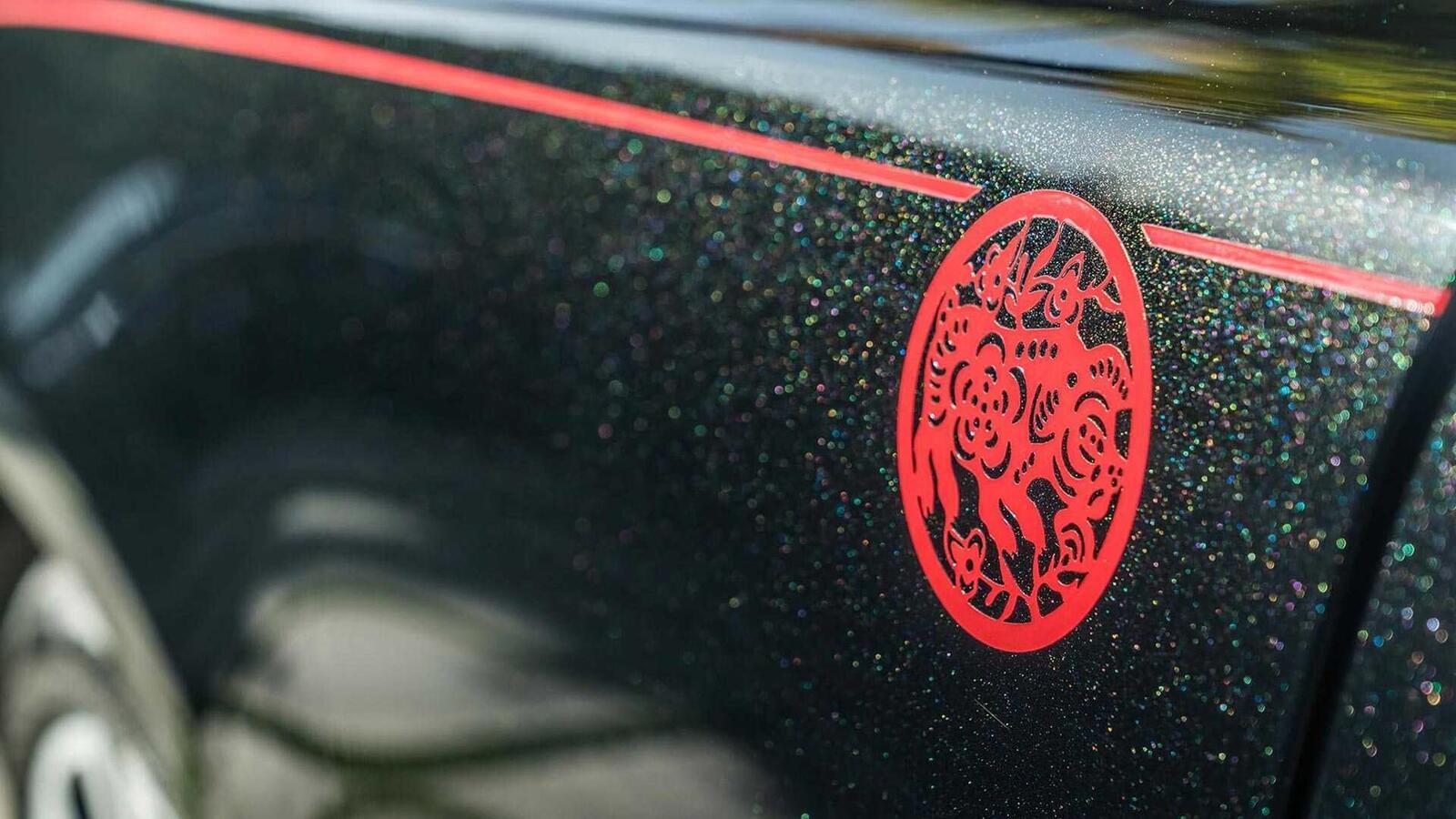 Mừng năm Kỷ Hợi, Rolls-Royce giới thiệu Ghost, Wraith và Dawn phiên bản đặc biệt ''Year of the Pig'' - Hình 2