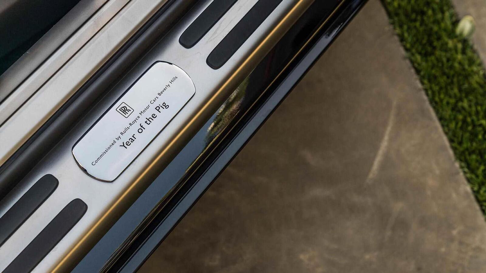 Mừng năm Kỷ Hợi, Rolls-Royce giới thiệu Ghost, Wraith và Dawn phiên bản đặc biệt ''Year of the Pig'' - Hình 3
