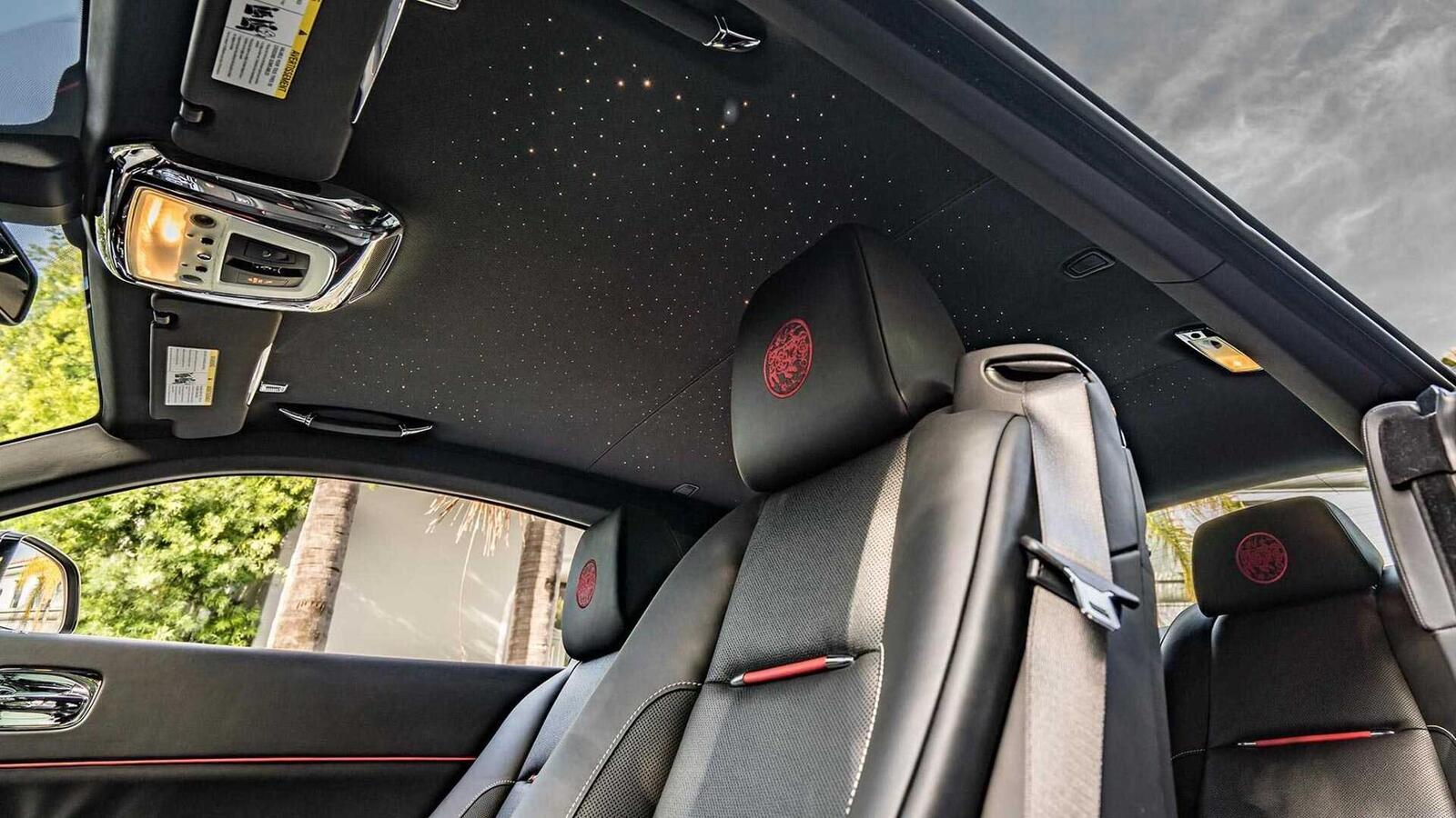 Mừng năm Kỷ Hợi, Rolls-Royce giới thiệu Ghost, Wraith và Dawn phiên bản đặc biệt ''Year of the Pig'' - Hình 8