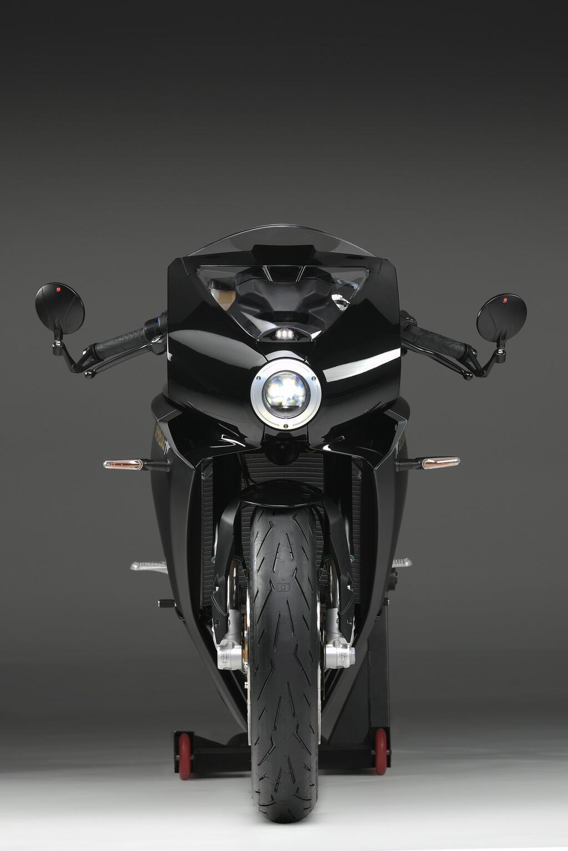 mv-agusta-superveloce-800-ra-mat-sportbike-kieu-dang-co-dien