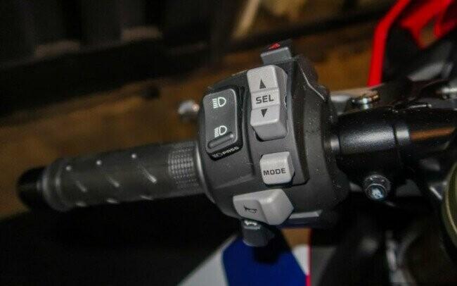 Ngắm 2019 Honda CBR1000RR Fireblade SP đắt hơn cả Toyota Vios - Hình 10