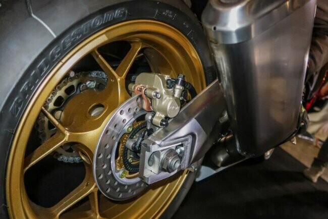 Ngắm 2019 Honda CBR1000RR Fireblade SP đắt hơn cả Toyota Vios - Hình 15
