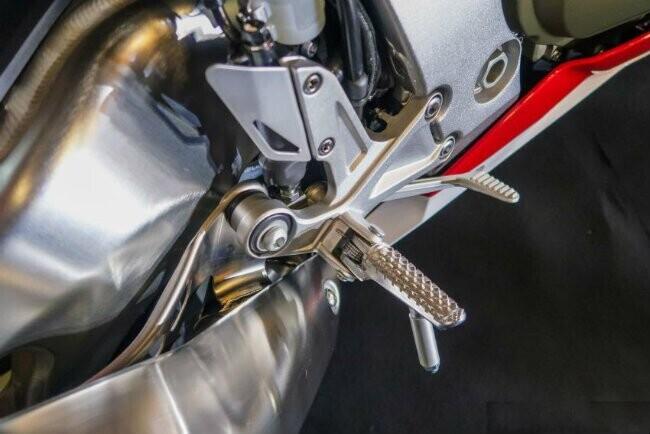 Ngắm 2019 Honda CBR1000RR Fireblade SP đắt hơn cả Toyota Vios - Hình 8