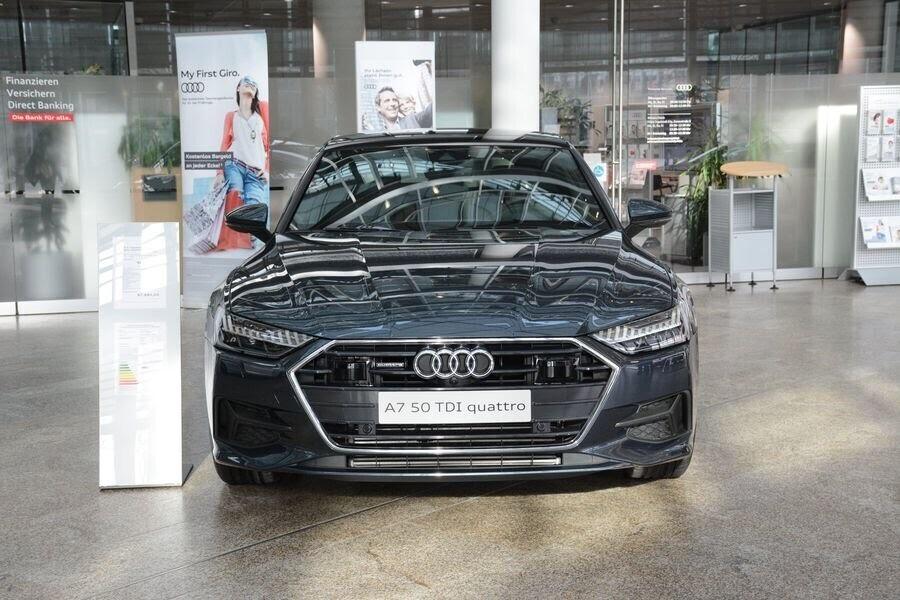 Ngắm Audi A7 Sportback 2019 trong màu sơn Triton Blue Metallic mới của hãng - Hình 4