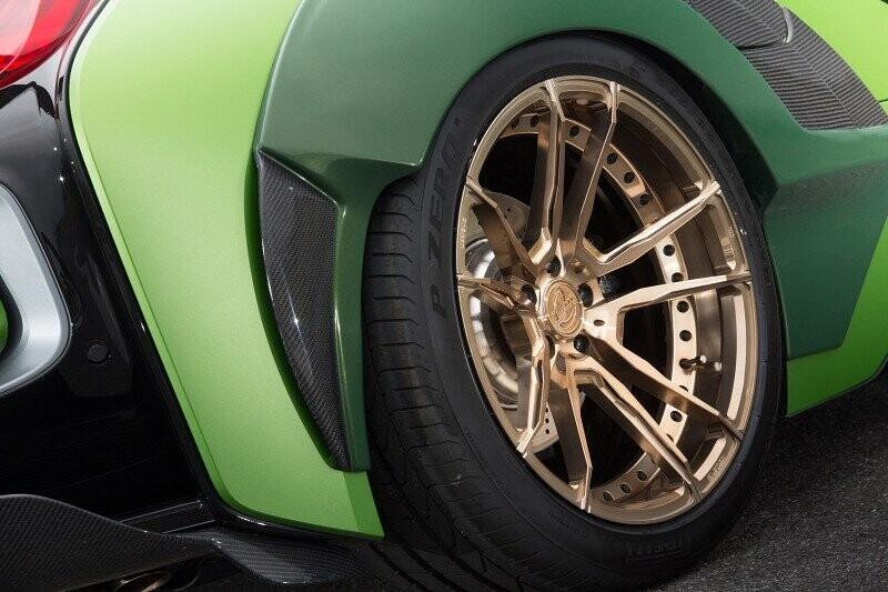 ngam-bmw-i8-roadster-do-cuc-chat-lay-y-tuong-tu-xe-quan-su-2.jpg