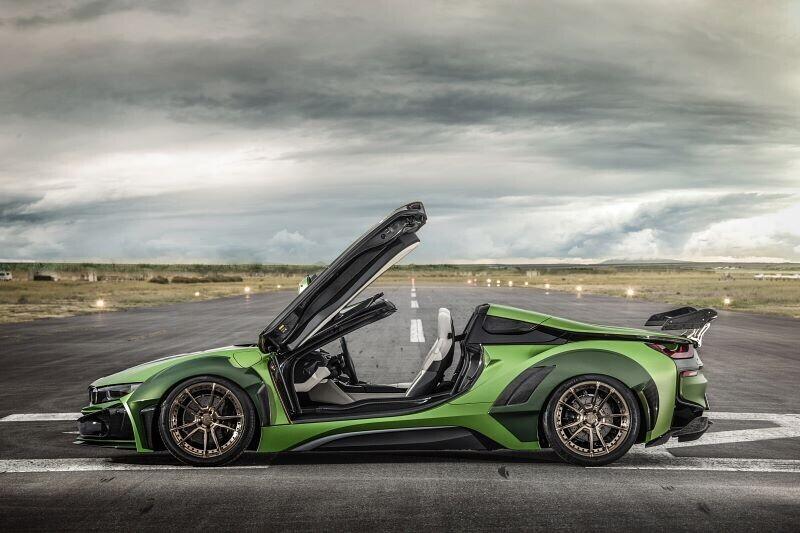 ngam-bmw-i8-roadster-do-cuc-chat-lay-y-tuong-tu-xe-quan-su-4.jpg