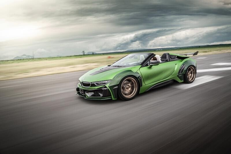 ngam-bmw-i8-roadster-do-cuc-chat-lay-y-tuong-tu-xe-quan-su-5.jpg