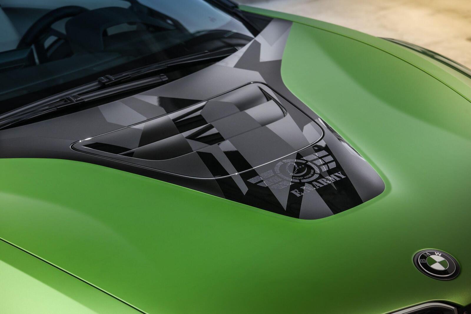 ngam-bmw-i8-roadster-do-cuc-chat-lay-y-tuong-tu-xe-quan-su-6.jpg