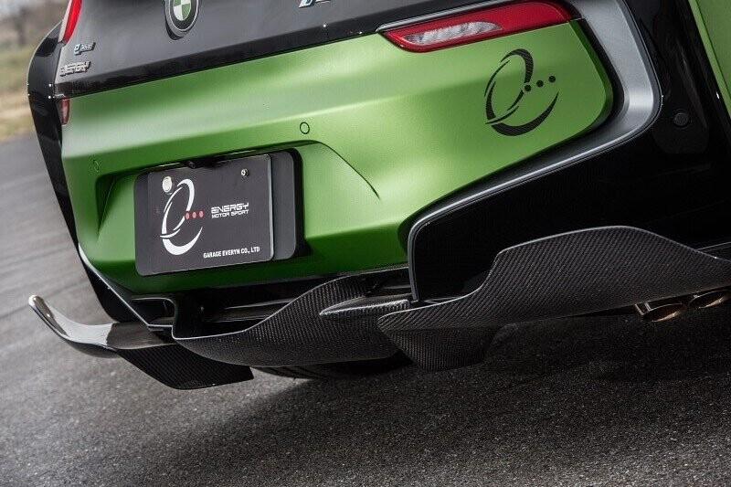 ngam-bmw-i8-roadster-do-cuc-chat-lay-y-tuong-tu-xe-quan-su-7.jpg