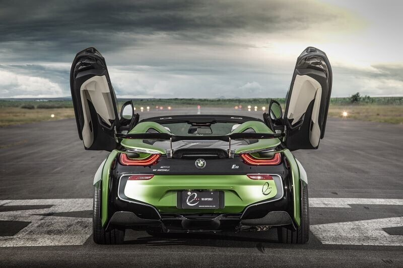 https://cdn.dailyxe.com.vn/image/ngam-bmw-i8-roadster-do-cuc-chat-lay-y-tuong-tu-xe-quan-su-9-65521j2.jpg?1555252943656