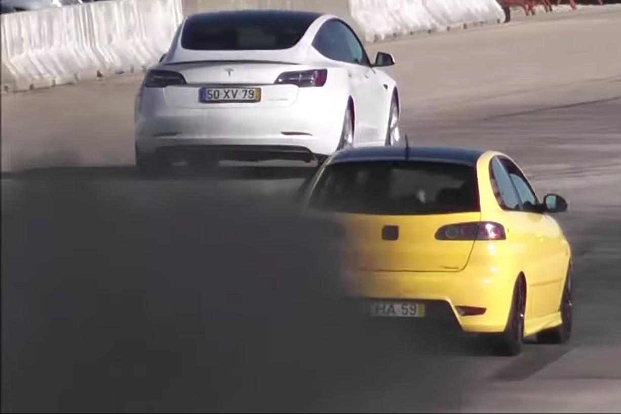 nghien-cuu-moi-cho-thay-nhung-chiec-xe-diesel-dang-thai-cac-hat-bui-dan-den-ung-thu.jpg