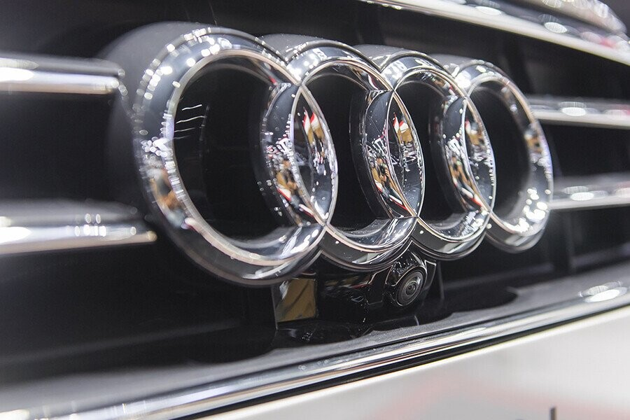 Ngoại thất Audi A8 - Hình 4