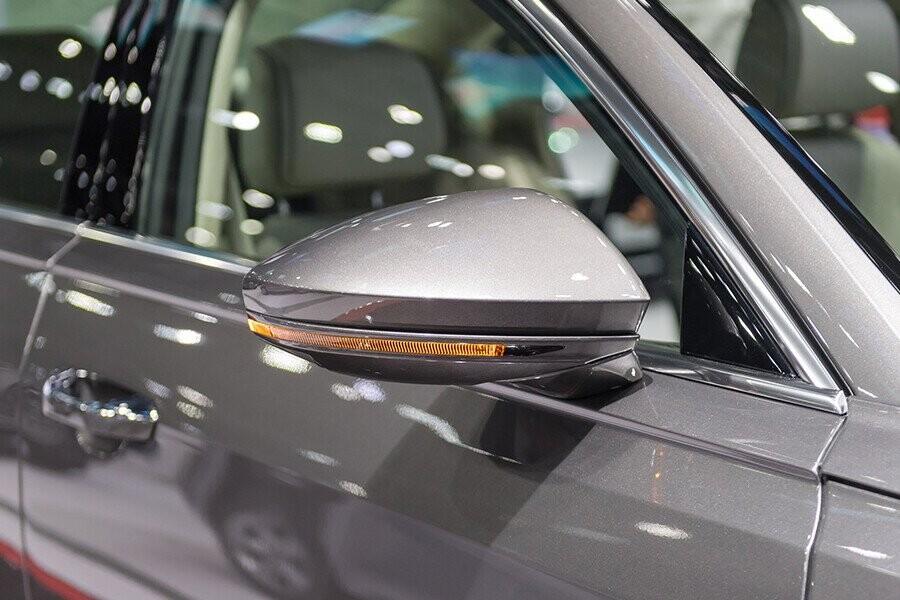 Ngoại thất Audi A8 - Hình 9