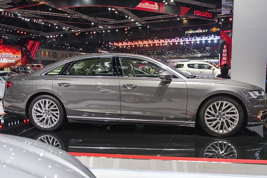 Ngoại thất Audi A8 - Hình 2