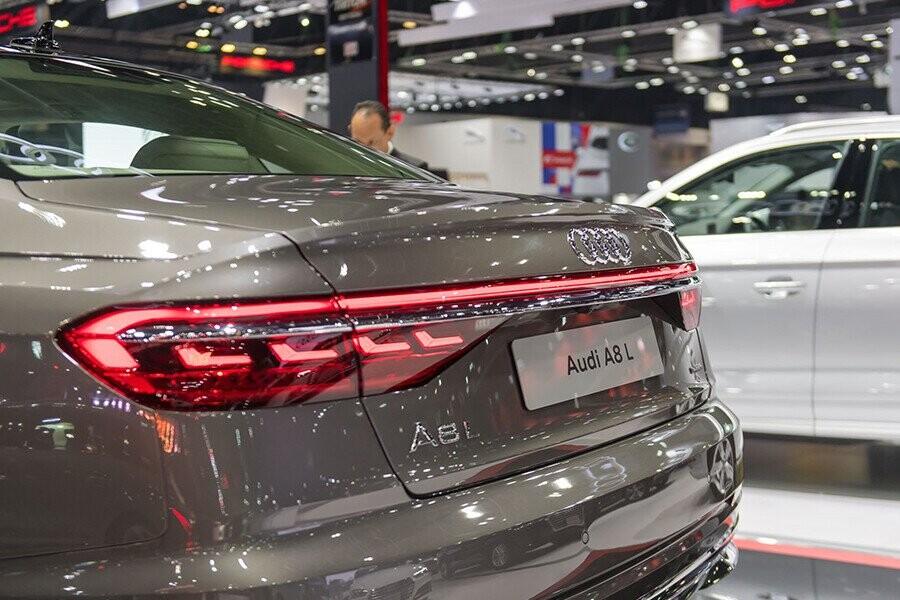 Ngoại thất Audi A8 - Hình 13
