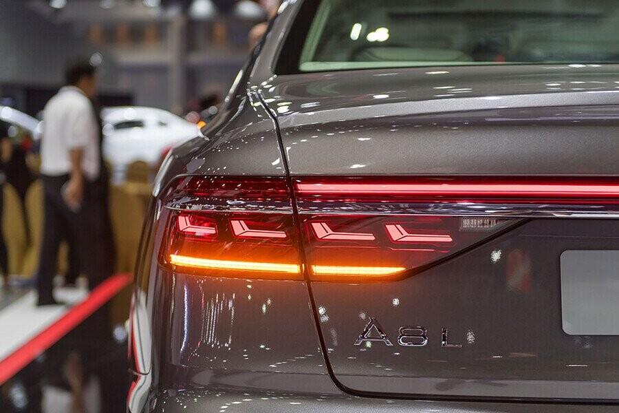 Ngoại thất Audi A8 - Hình 11