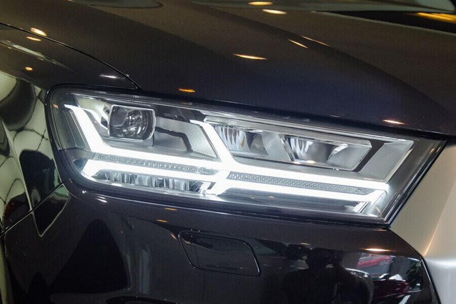 Ngoai Thất Audi Q7 - Hình 3