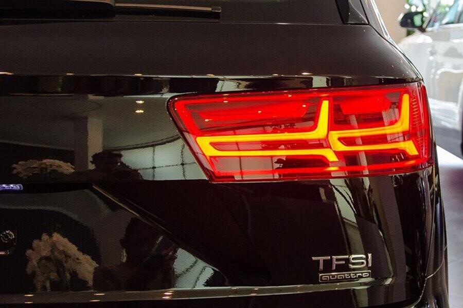 Ngoai Thất Audi Q7 - Hình 6