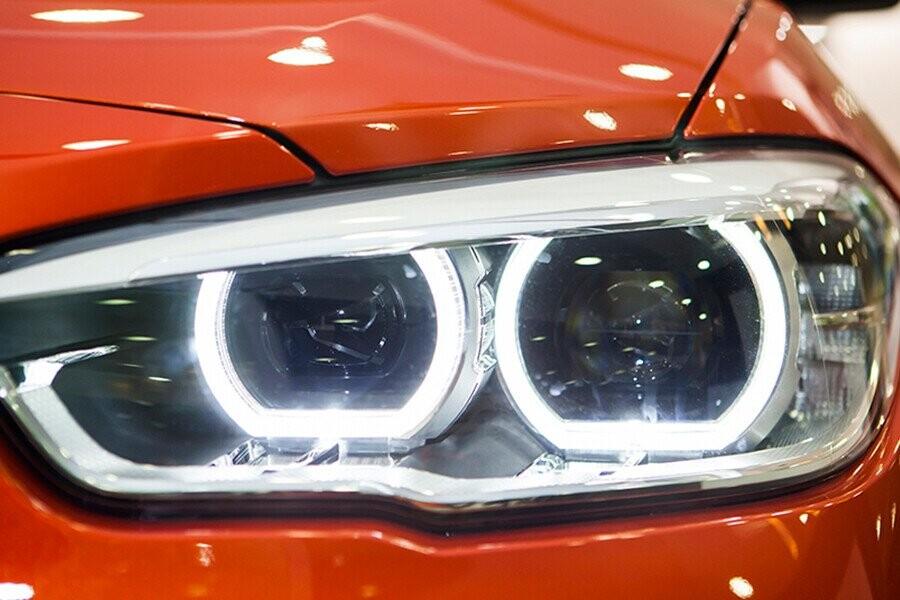 Đèn pha thông minh với công nghệ hoàn toàn LED